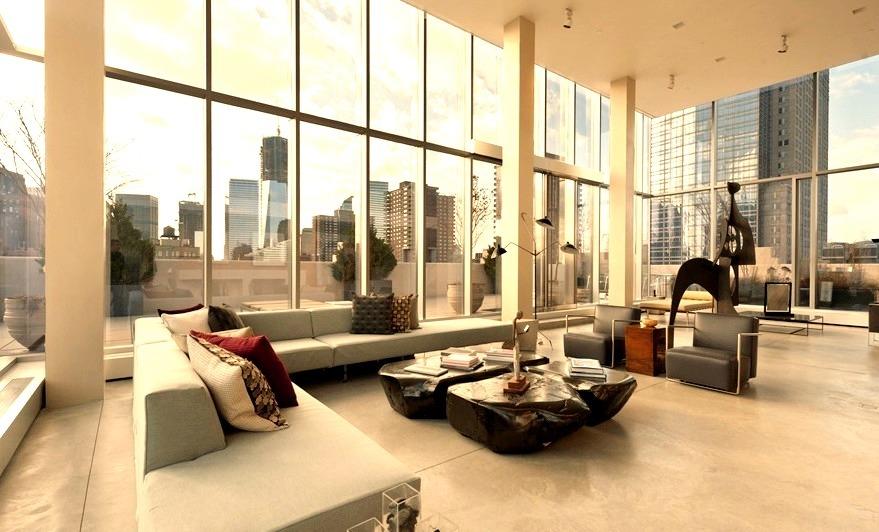 Luxury Living Space in Manhattan Apartment