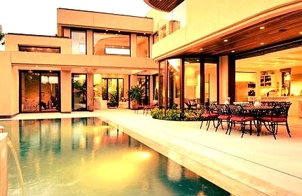 Luxury Mansion with a Pool